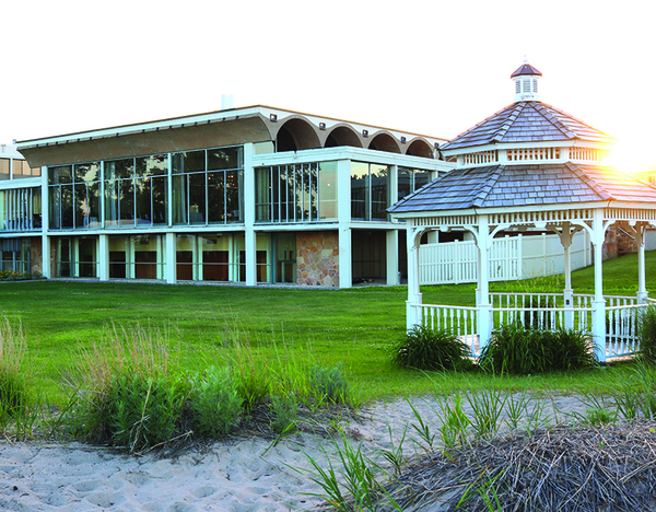 Illinois Beach Resort Is The Only One Of Its Kind In State That Located On Lake Michigan With Meeting Es Overlook Water
